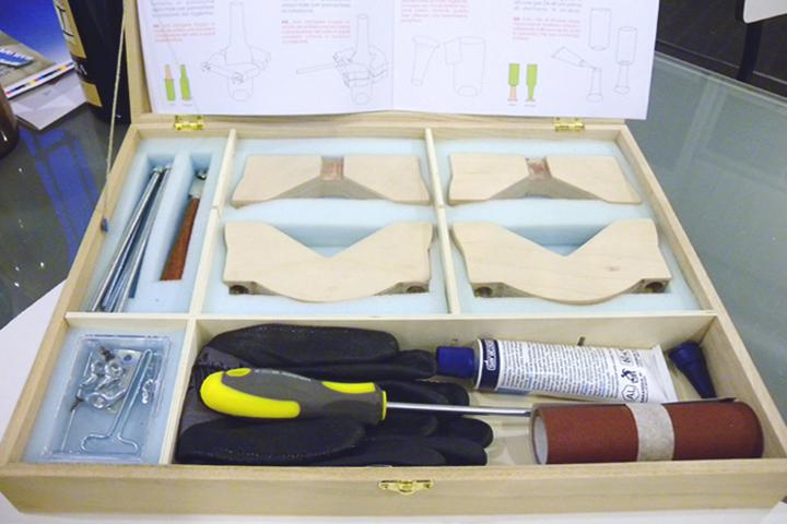 kit tagliabottiglie aperto e istruzioni d'uso